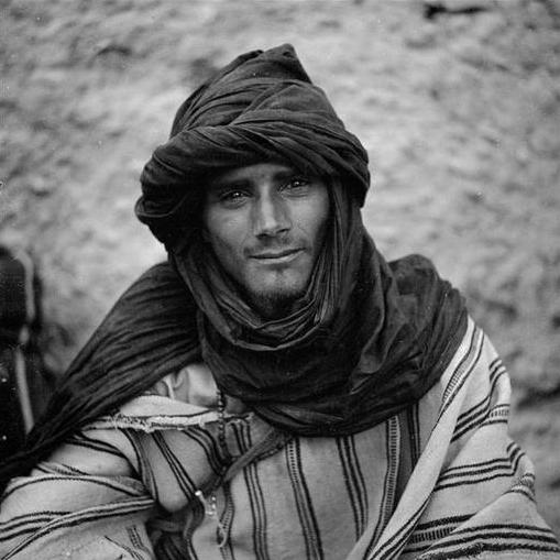 Bani: Homme des Aït Oussa portant le chèche.